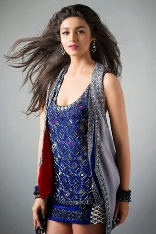 cute actress Alia Bhatt Wallpaper download