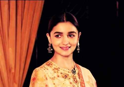cute picture of alia bhatt free download