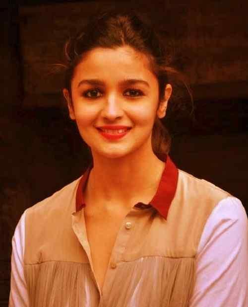 smile picture of alia bhatt